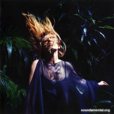 Barbara Carlotti - L'amour, l'argent, le vent / Copyright Barbara Carlotti